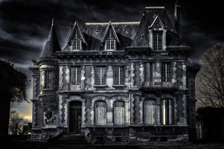 A Scary House You Can Tour Online