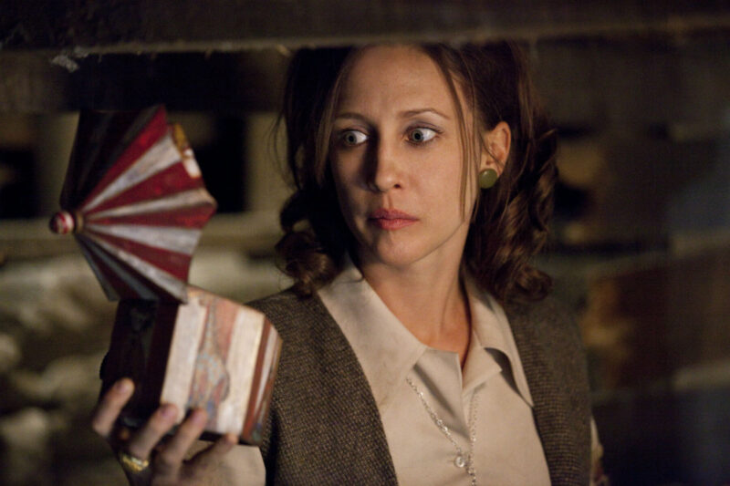 Coming to Netflix UK in October 2020: Vera Farmiga stars alongside Patrick Wilson in The Conjuring - the first film in James Wan's horror cinematic universe (c) Warner Bros. Pictures.